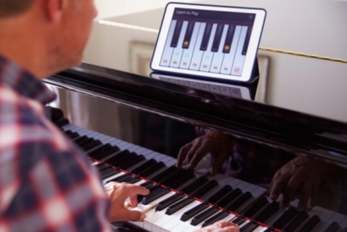 comment apprendre le piano seul. Black Bedroom Furniture Sets. Home Design Ideas