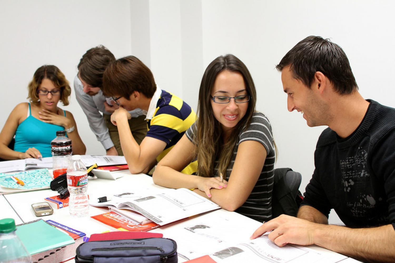 Séjours linguistiques anglais ado : enchaîner des cours pour un meilleur résultat